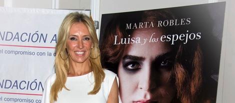 43256_marta-robles-presenta-primera-novela-luisa-y-los-espejos_m